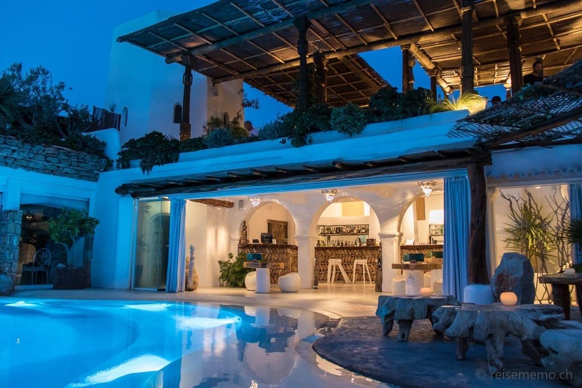 Bar beim Pool