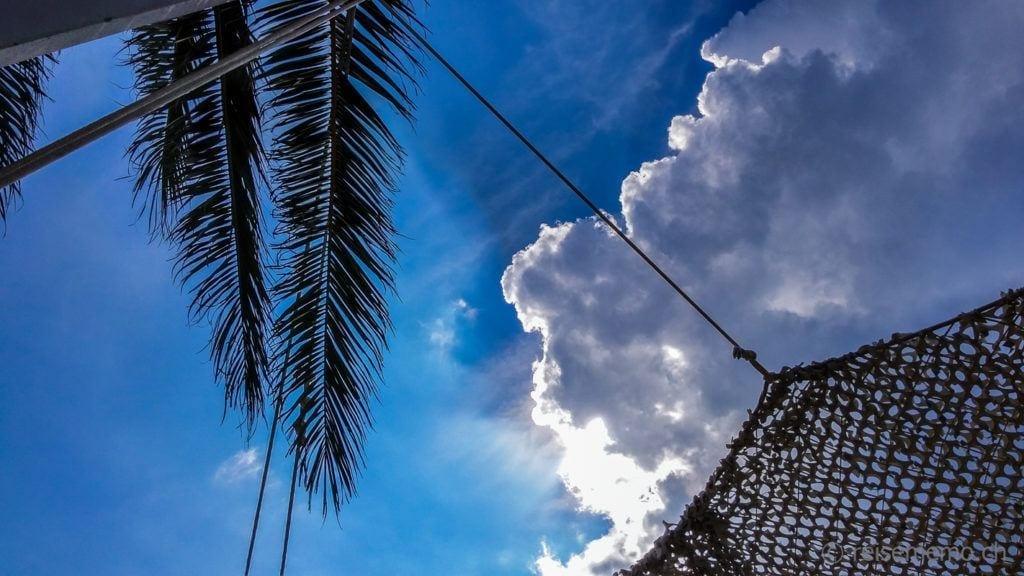 Gewitterwolken über dem Atzaró Beach Club