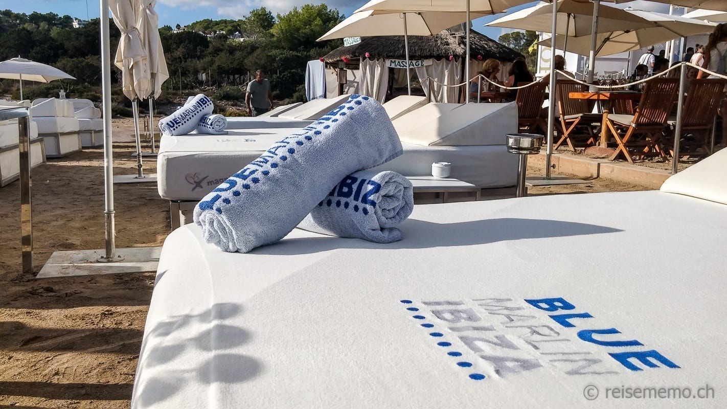 Blue Marlin Ibiza towels and beach lounges