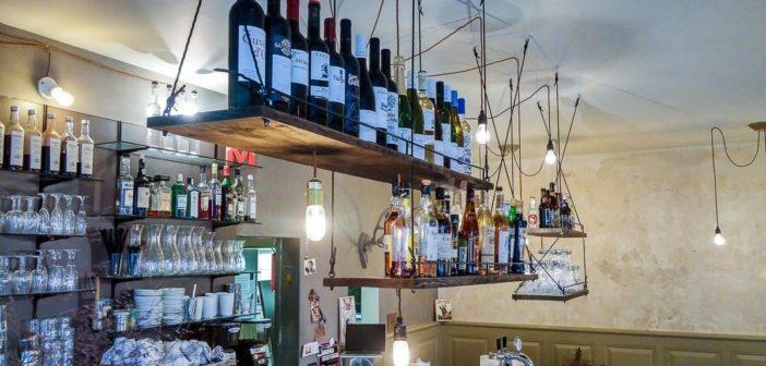 """Weine und Spirituosen im Restaurant """"Zum Onkel"""""""