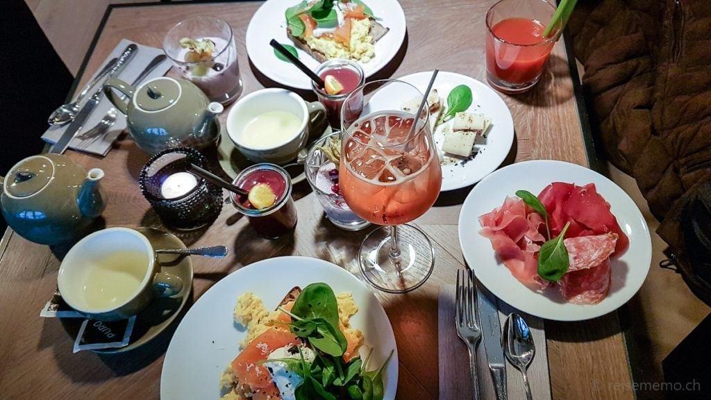 Sonntags-Brunch mit Johannis Spritz und Bloody Mary in Zürich