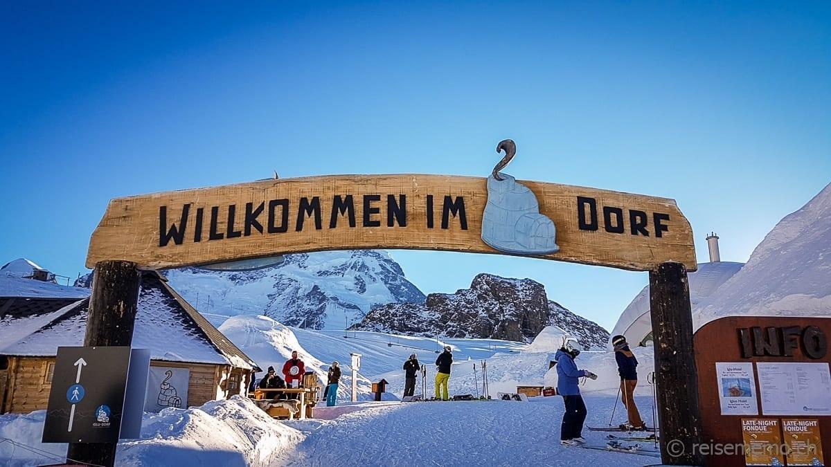 Eingangstor zum Iglu-Dorf Zermatt