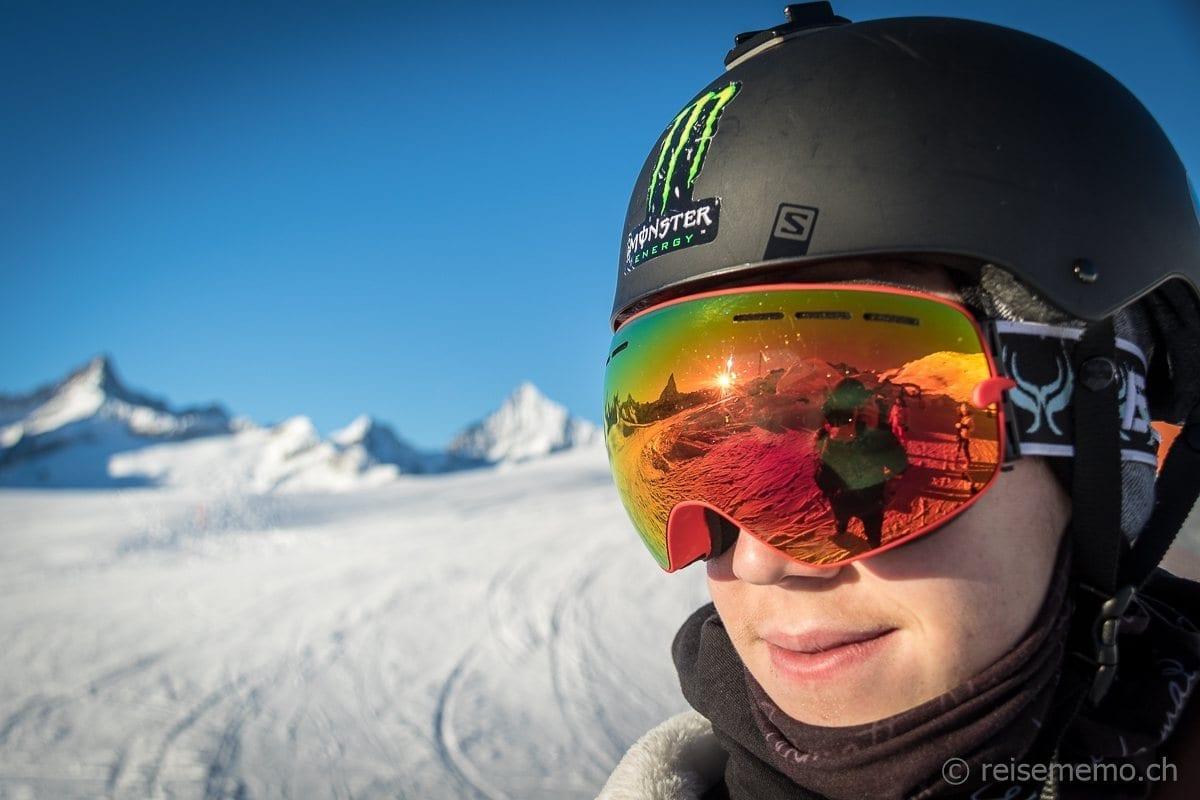 Skibrille von Instagramer Fabio Zingg mit Reflektion des Matterhorns