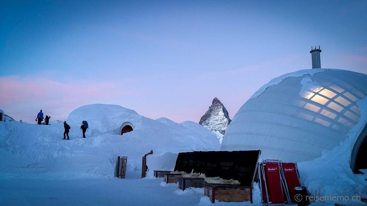 Iglu-Dorf zur Morgenstund