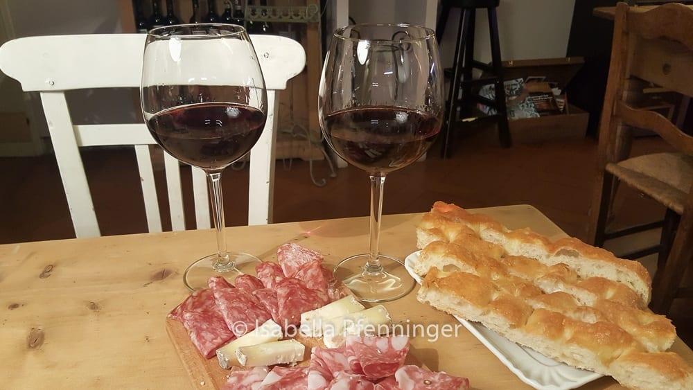 Aperitiv und Wein in Florenz