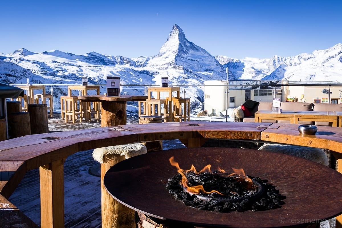 Aussicht auf's Matterhorn von der Blue Lounge Terrasse