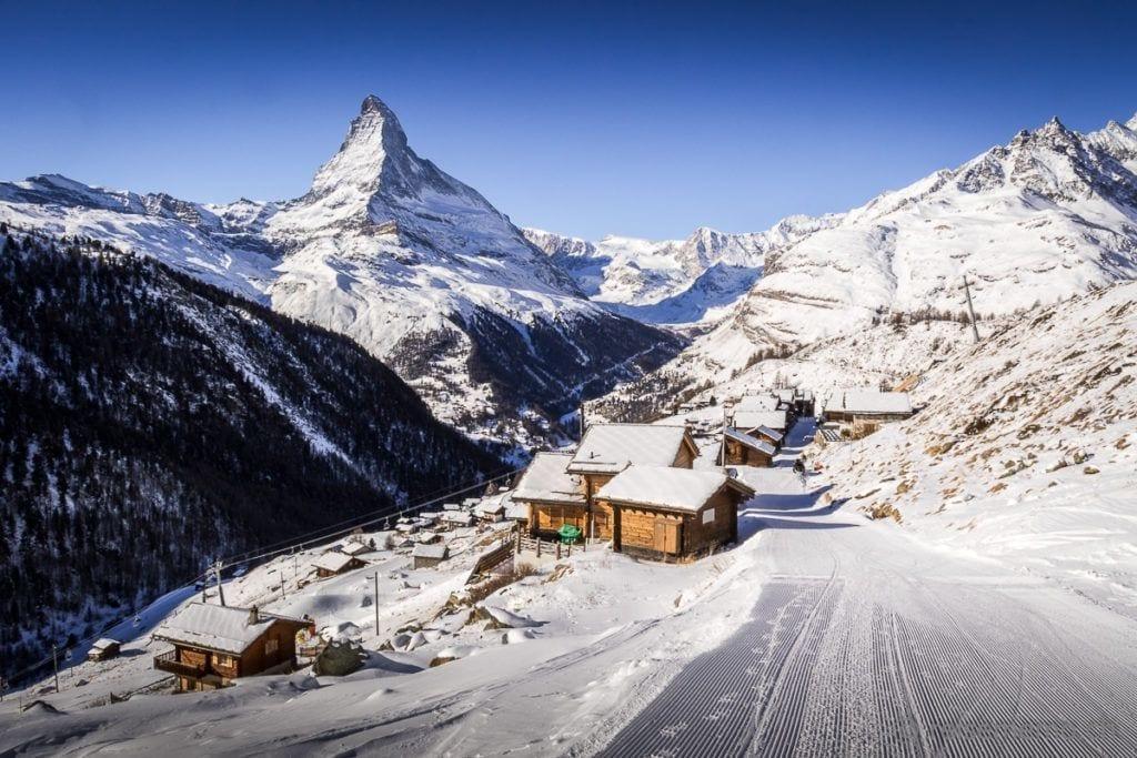 Gourmet Chaletdorf Findeln mit Sicht auf das Matterhorn
