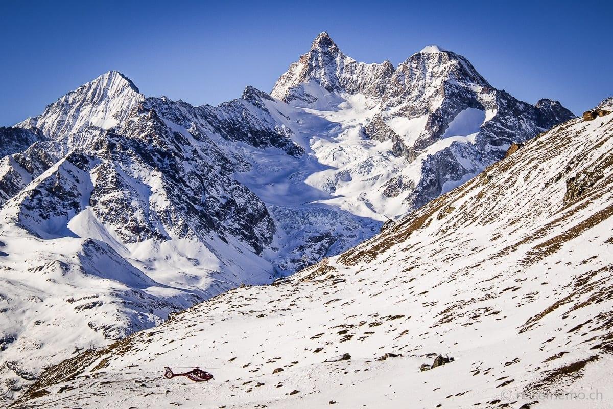 Air Zermatt vor Dent Blanche, Ober Gabelhorn und Wellenkuppe