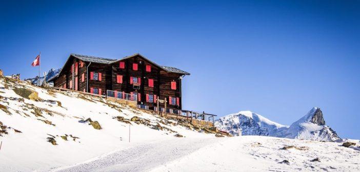 Fluhalp Hotel und Restaurant vor dem Adlerhorn