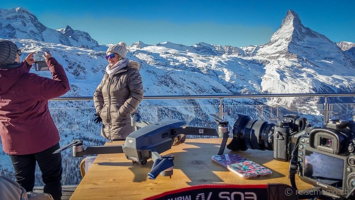 Katja und Ellen mit den Matterhorn Schnappschüssen