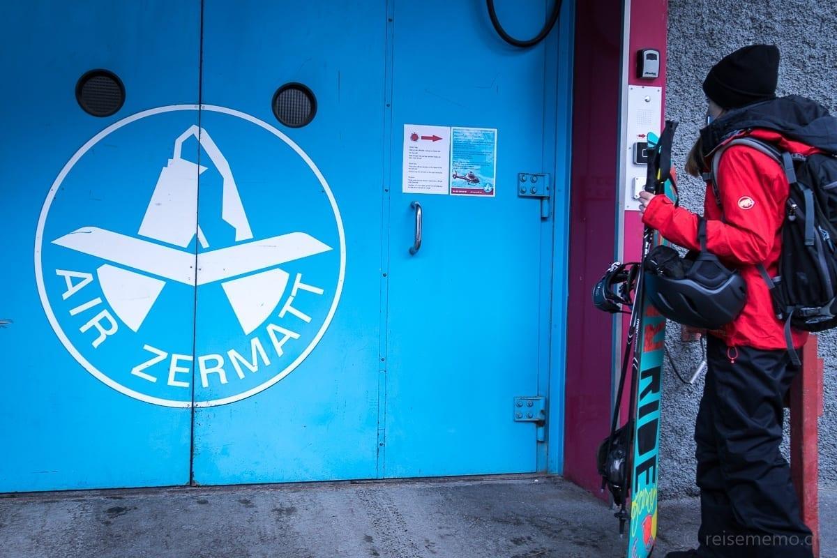 Lift zum Heliport der Air Zermatt