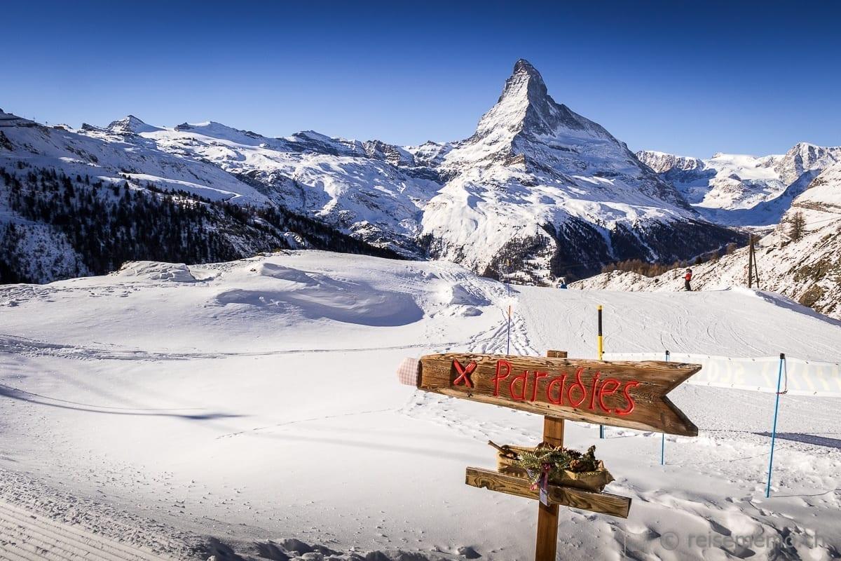 Wegweiser zum Restaurant Paradies in Findeln bei Zermatt