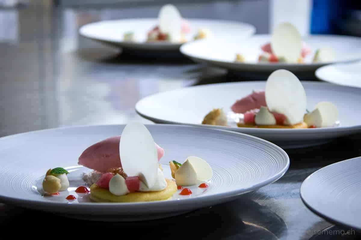 Dessert in der Küche der Locanda Barbarossa im Castello del Sole