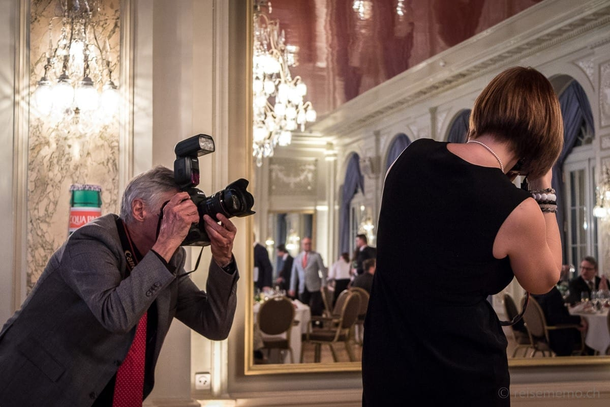 Fotografen Rémy Steinegger und Carmen Sirboiu am S. Pellegrino Sapori Ticino im Bellevue Palace Bern