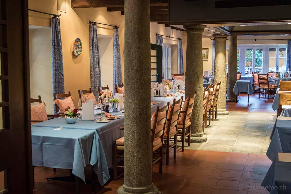 Langer Esstisch im Restaurant Locanda Barbarossa