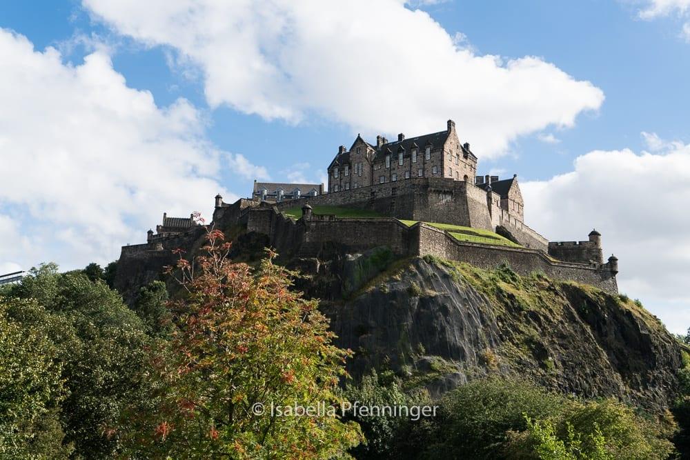 Edinburgh Castle hoch über der Stadt