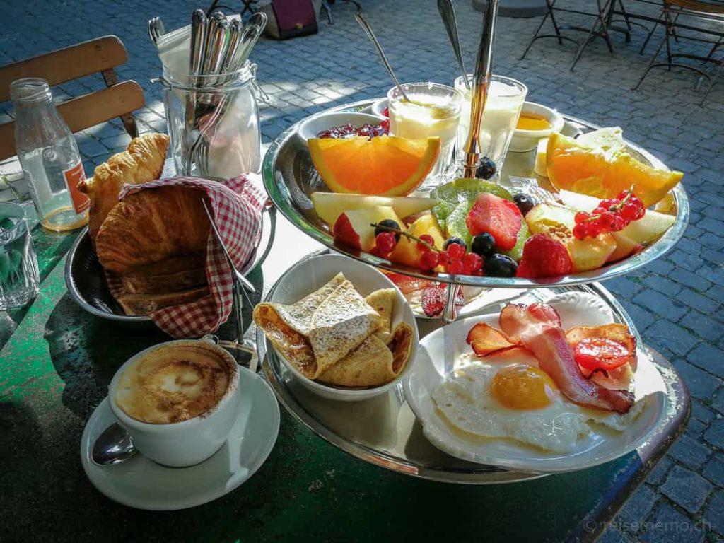 Cafe des Amis Zuerich Brunch-Etagère