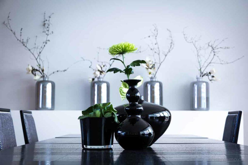 """Dekorative Vasen im Sitzungszimmer """"Tosca"""""""