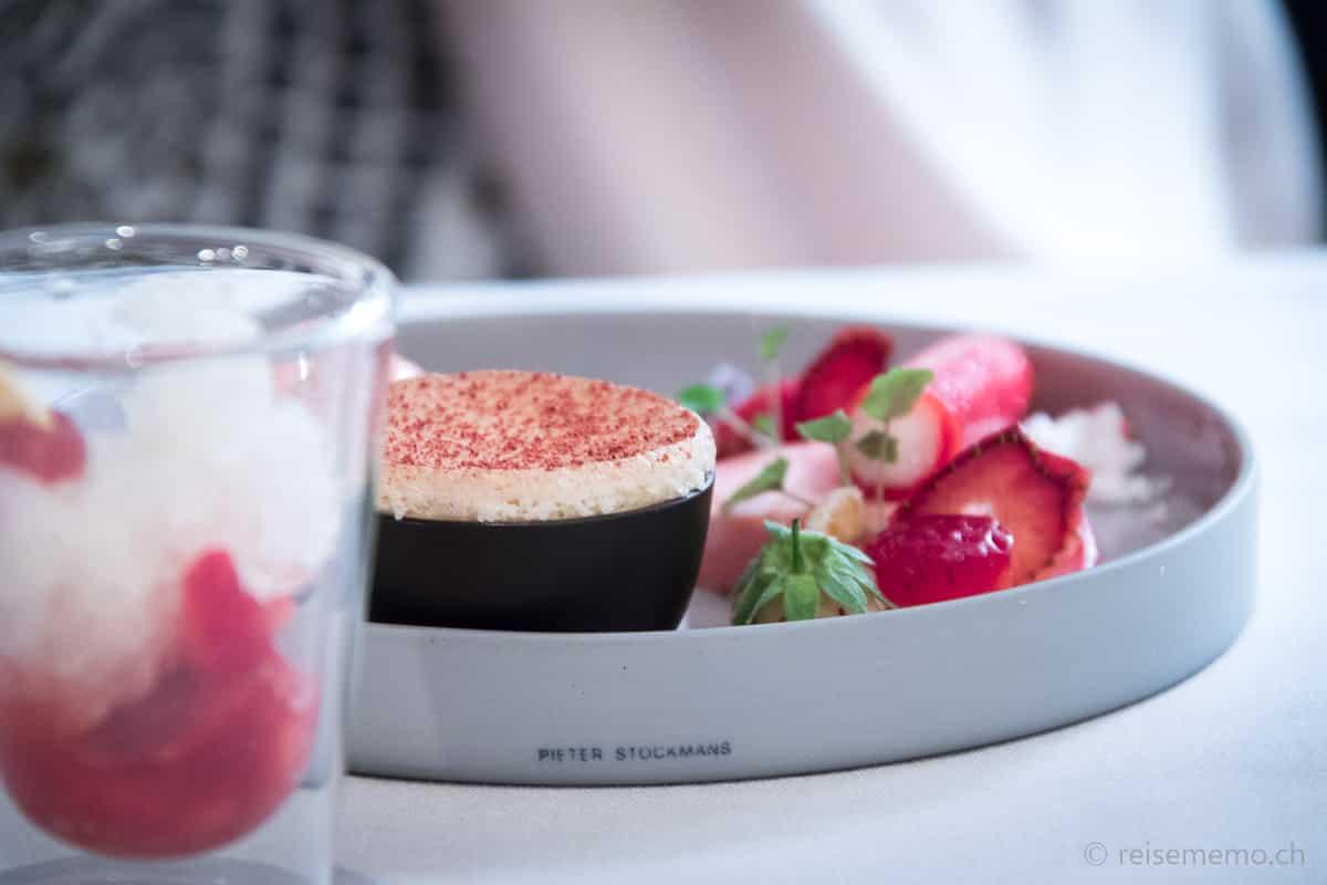 Dessert von der Erdbeere