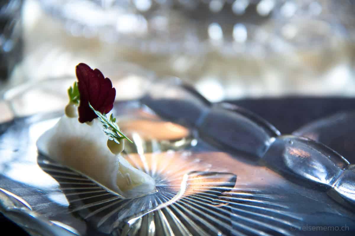 Makrele mit Kohlrabi in Teigtasche
