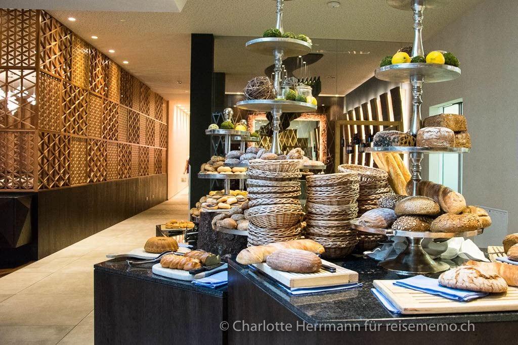 Brotbuffet fürs Frühstück im Schenna Resort