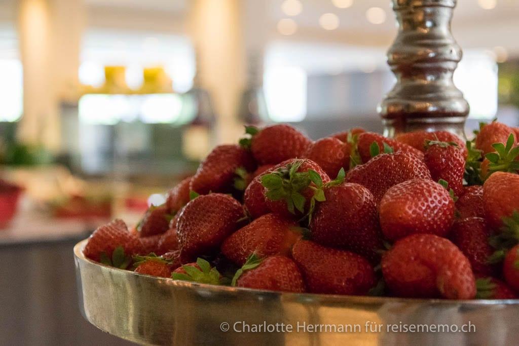 Erdbeeren am Frühstücksbuffet