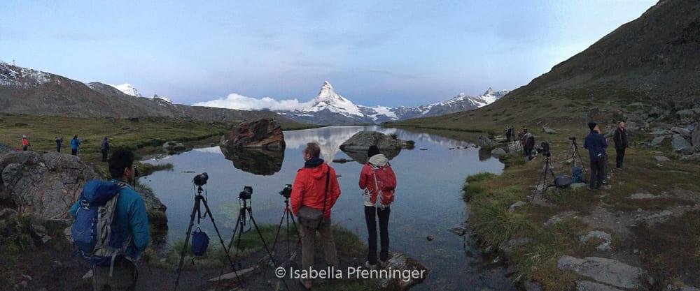 Matterhorn-Foto mit Fotografen am Stellisee Zermatt
