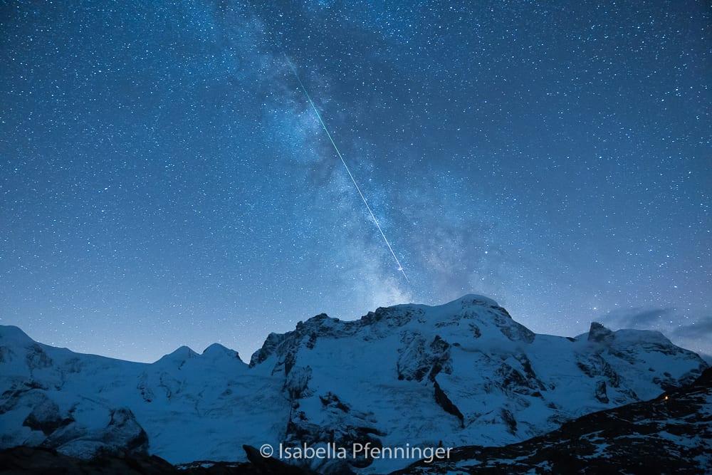 Sternschnuppe mitten durch die Milchstrasse