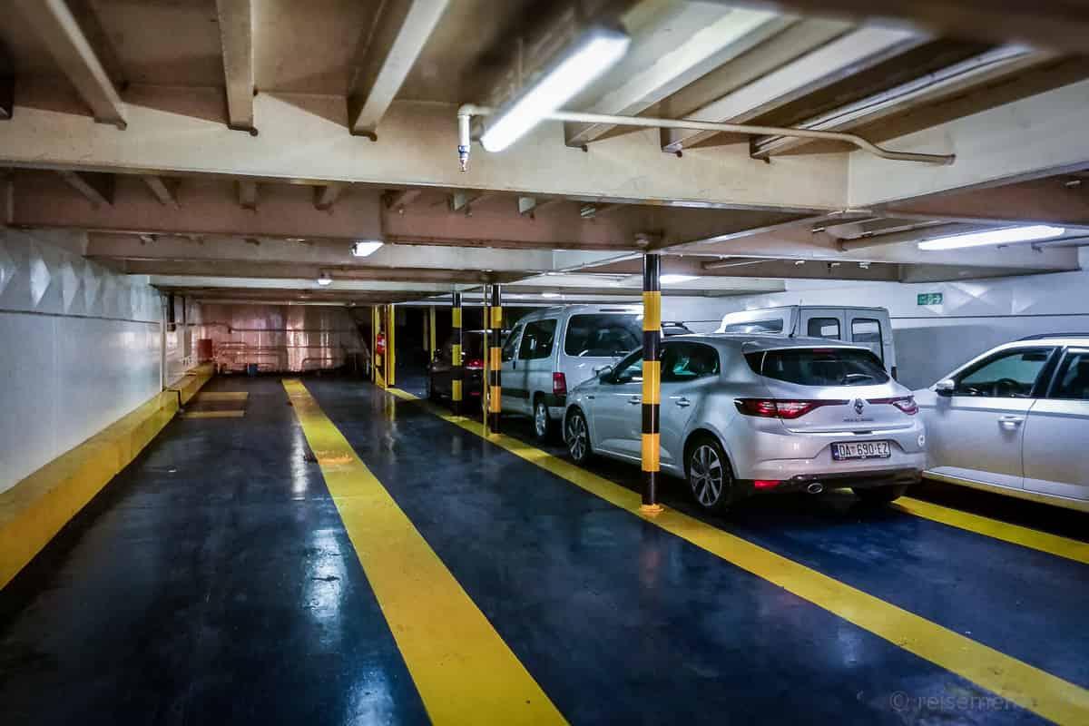 Laderaum der Jadrolinija Autofähre von Split nach Hvar