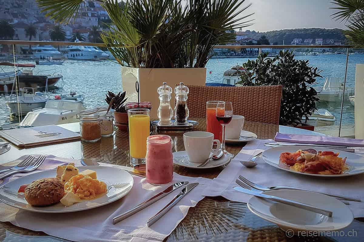 Frühstück im Hotel Adriana Hvar