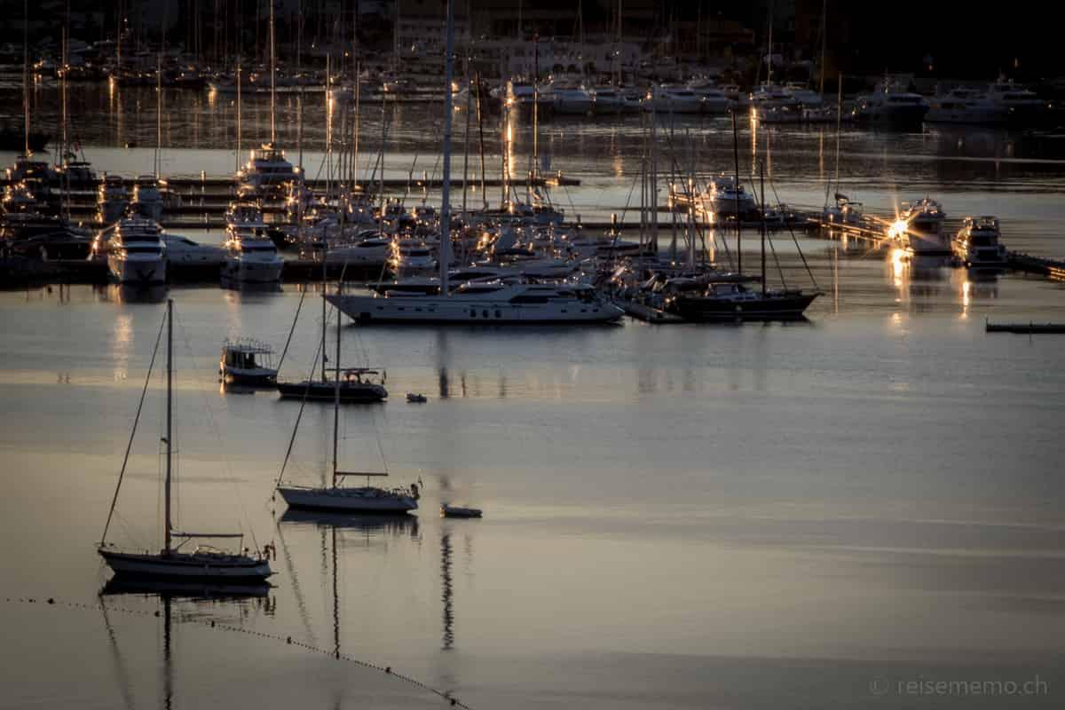 Jachten in der Marina von Trogir
