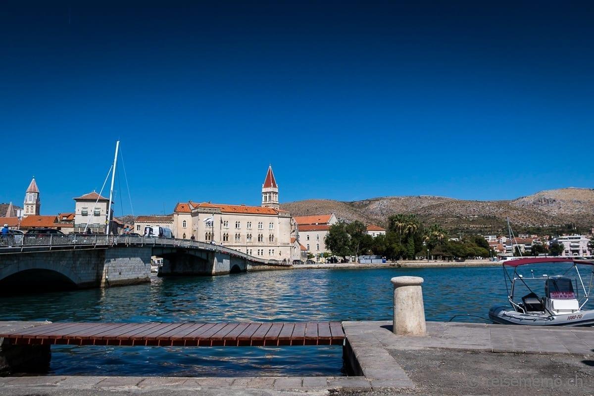 Brücke und Portal von Trogir