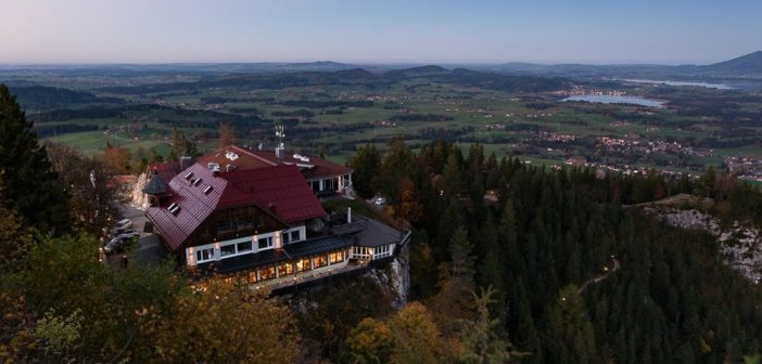 Burghotel Falkenstein in der Dämmerung
