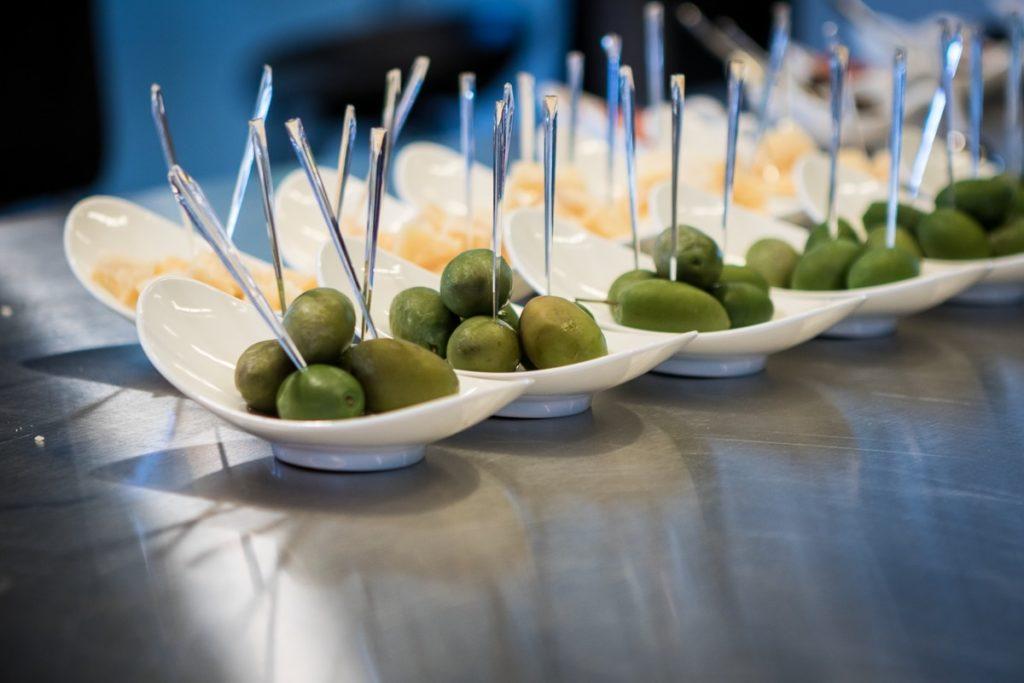 Oliven-Apéro bei der Relais & Châteaux Pressekonferenz