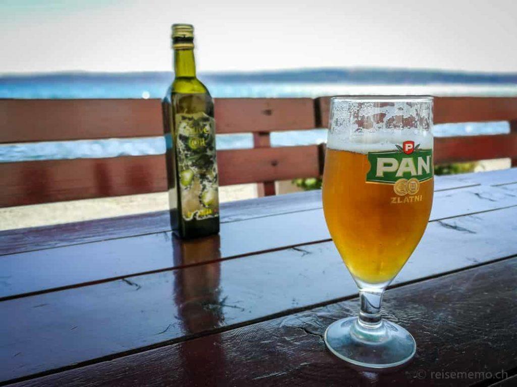 Pan Bier im Labinezza Restaurant in Kastel Novi