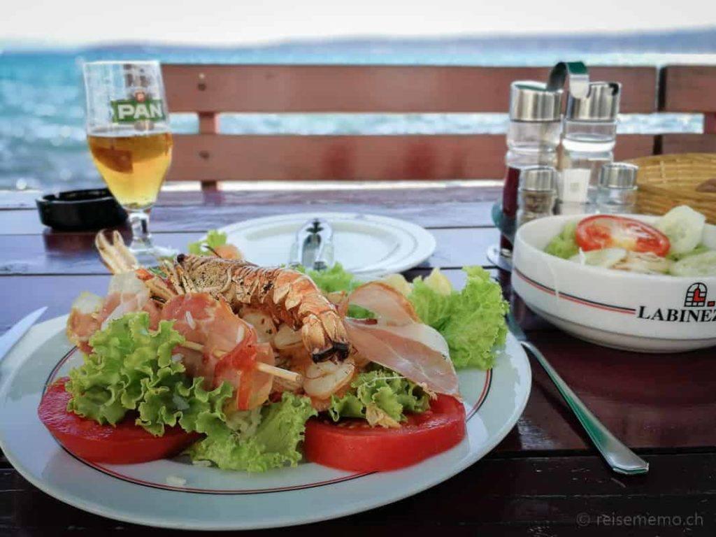 Meeresfrüchtesalat im Labinezza Restaurant in Kastel Novi