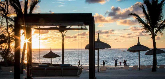 Sonnenaufgang am Strand von Long Beach in Mauritius