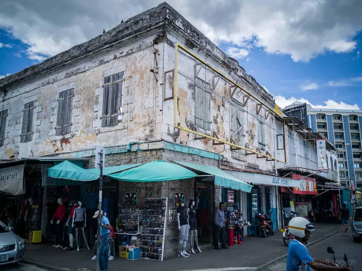 Strassenszene in Port Louis nahe der Waterfront