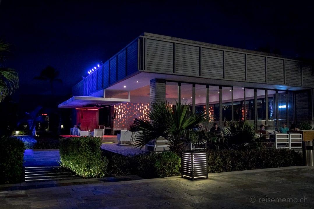 Long Beach Mauritius Hotel Bar