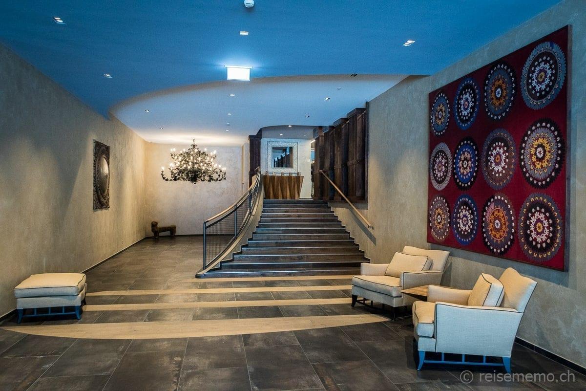 Eingang zum Hotel Valsana