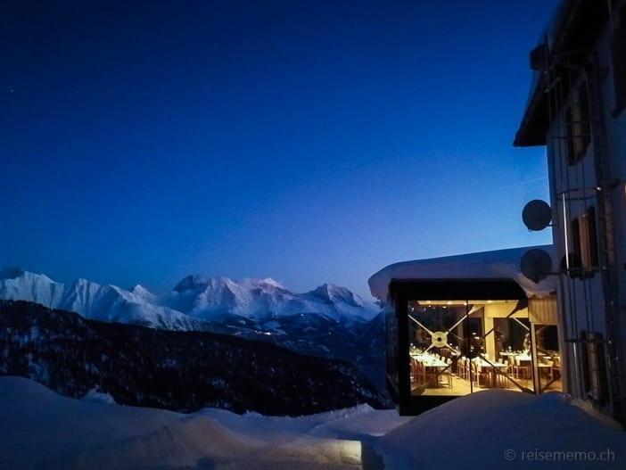 Hotel Belalp mit Panoramarestaurant vor Breithorn