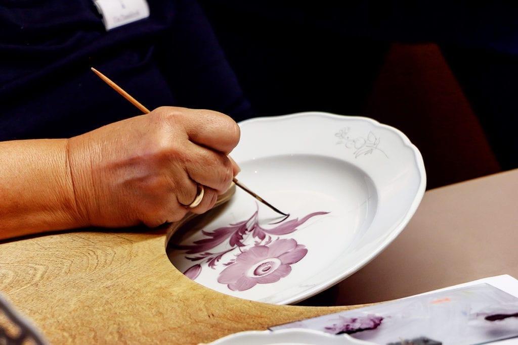Porzellanmalerin