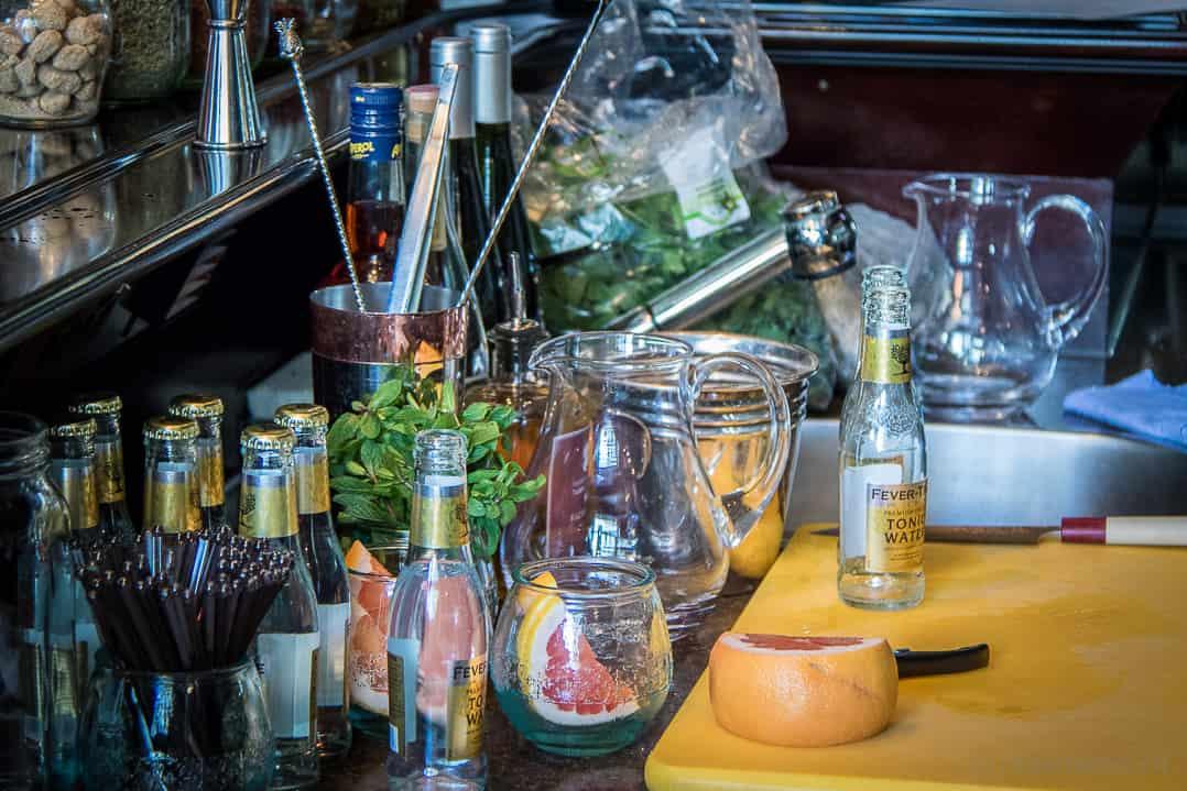 Vorbereitungen von Tato Giovannoni an der Rive Gauche Bar