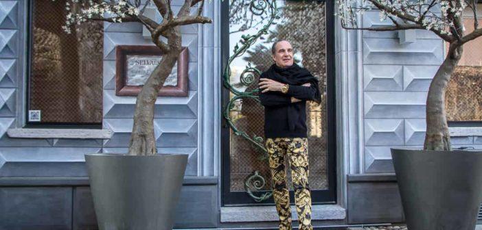 Carlo Rampazzi vor seinem Atelier