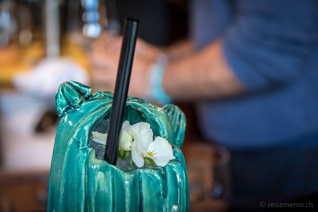 Pachamama Cocktail im Kaktus nach Façon von Tato Giovannoni