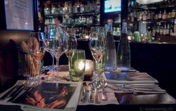 3-er Tisch im Rive Gauche