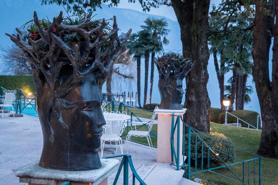 Skulpturen auf der Hotelterrasse des Eden Roc