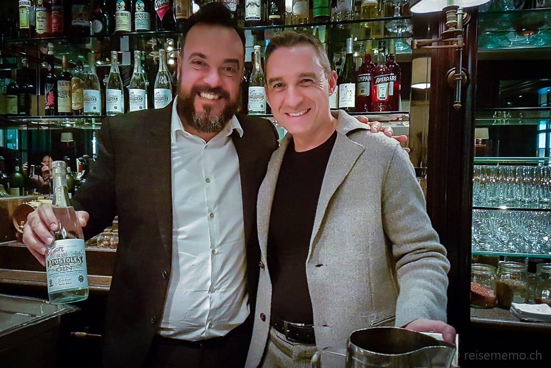 Tato Giovannoni und Walter Schärer an der Rive Gauche Bar des Baur au Lac Hotels