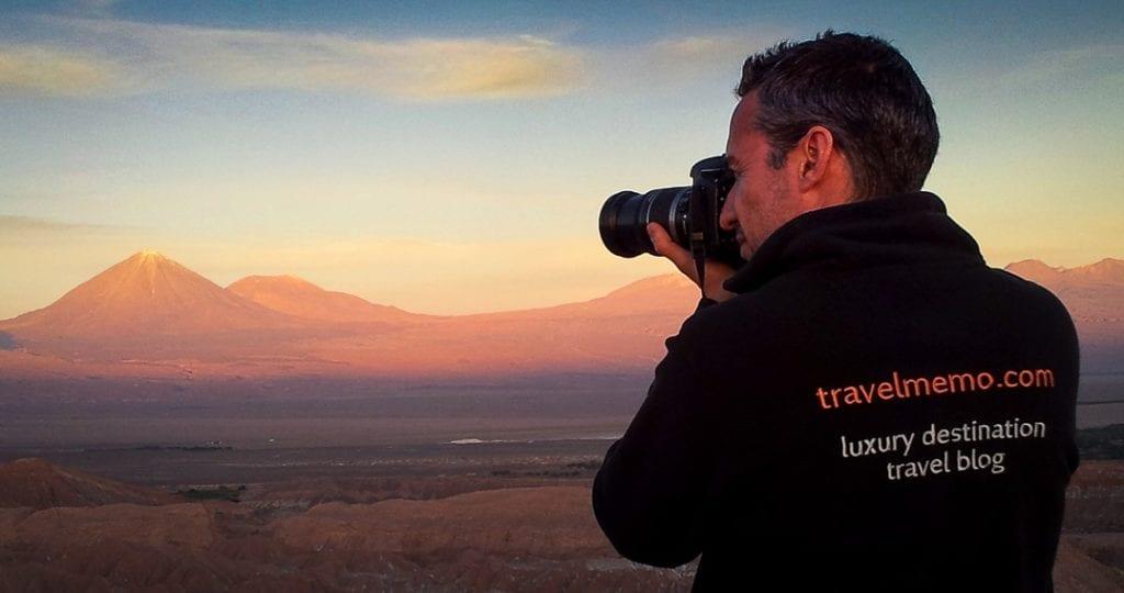 Walter Schärer fotografiert in der Atacama Wüste