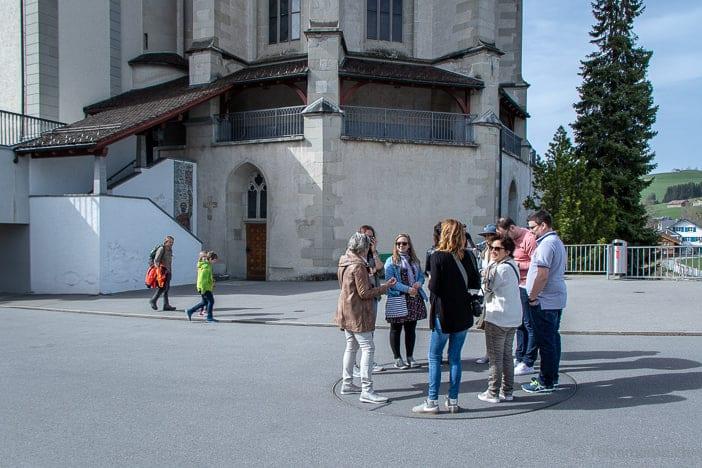 Schweizer Reiseblogger auf der Drehscheibe von Roman Signer in Appenzell